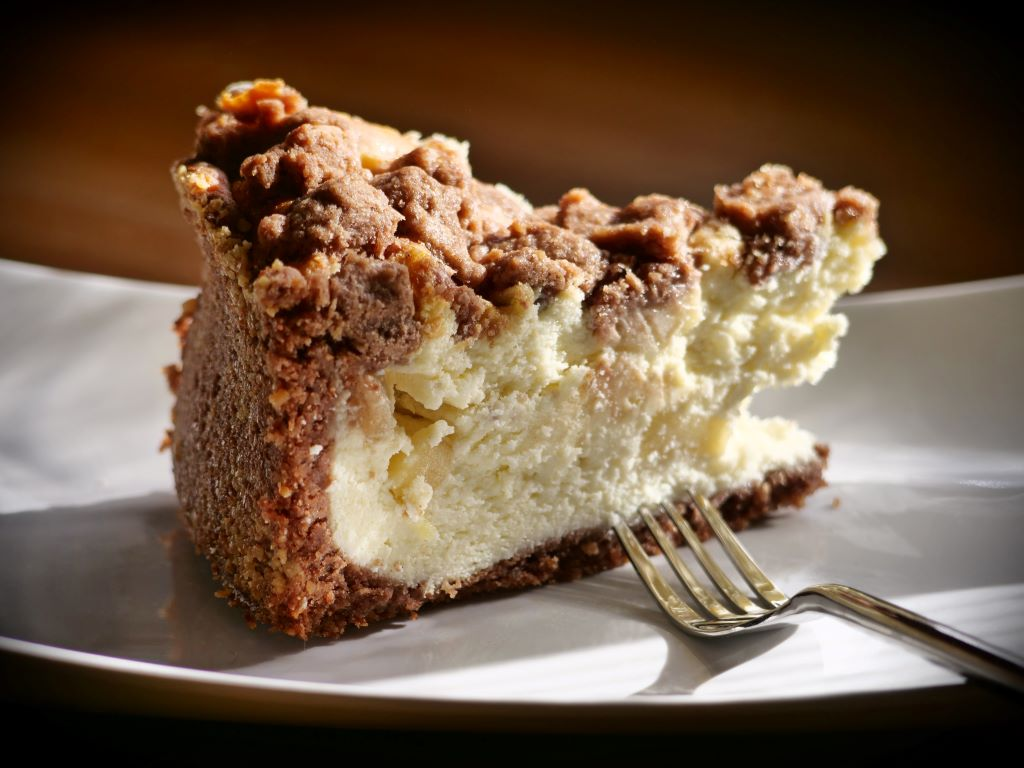 Apple Crumble Cheesecake